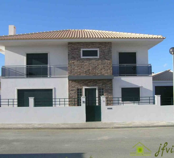 Single Famile Home with Garden Ericeira
